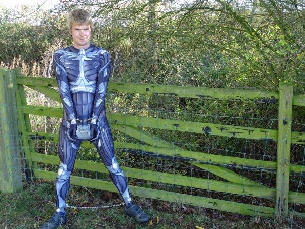 Crysis Morphsuit prisoner