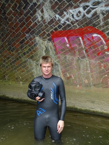 S10 gas mask + 2XU A:1 Active wetsuit