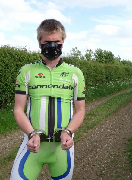 Regulation Rubber Bike Mask + Clejuso handcuffs