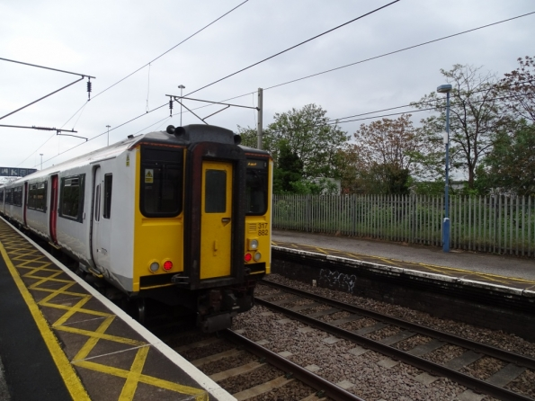 Class 317 at Angel Road railway station
