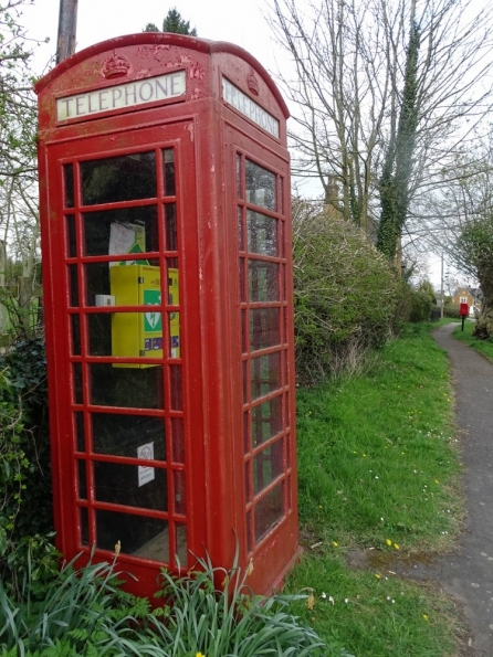 Red telephone box at Edmondthorpe
