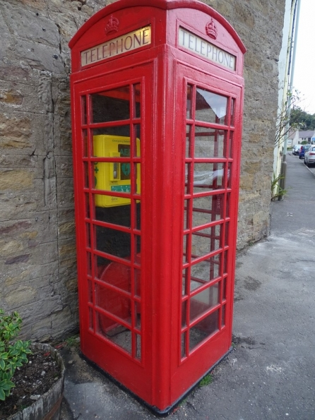 Red telephone box at Dunning